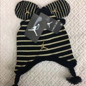 42aba8a2028 Jordan Boy s 2 4T Striped Beanie Hat   Mittens Set